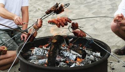 La cuisine au feu de camp
